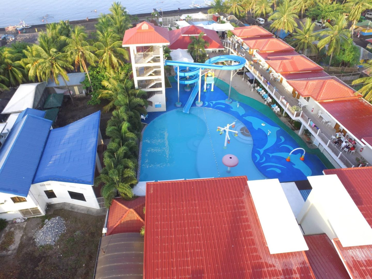 CML Beach Resort & Waterpark - https://thejerny.com
