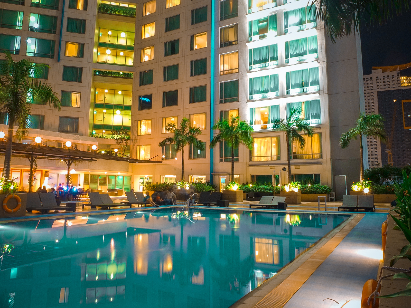 Novotel Manila Araneta Center: Why You Should Stay at the Executive Suites   Hotel Review