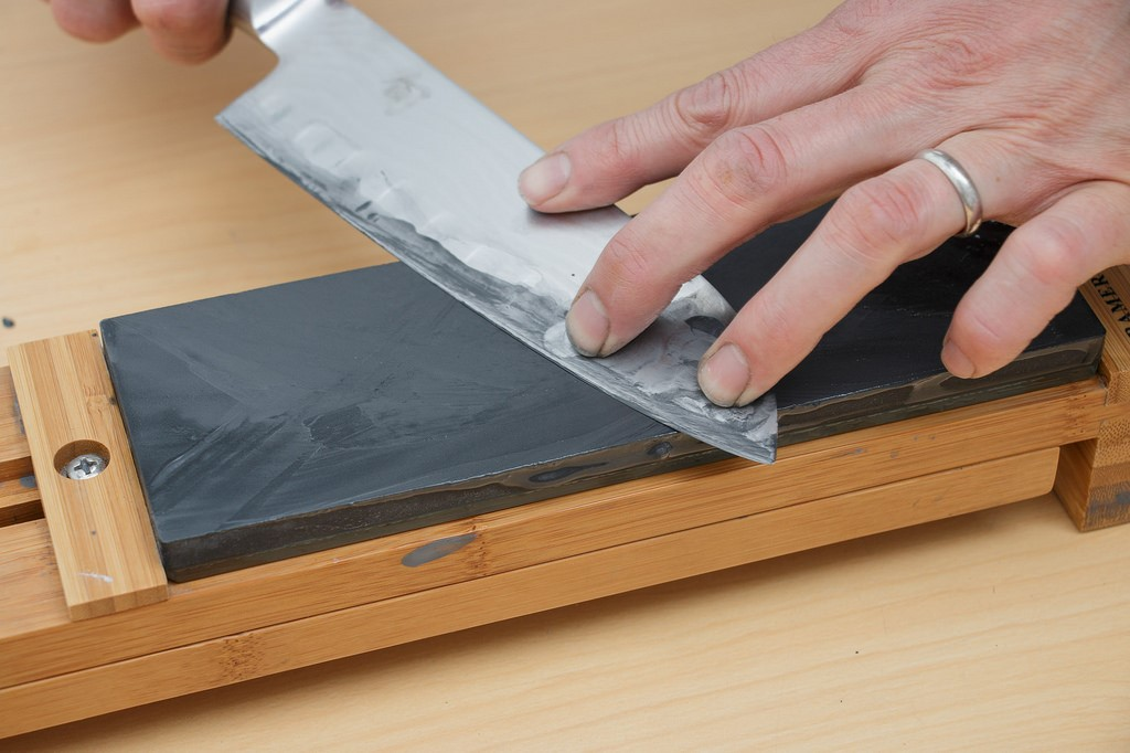 Important Things To Know While Buying Sharpening Stones For Knives
