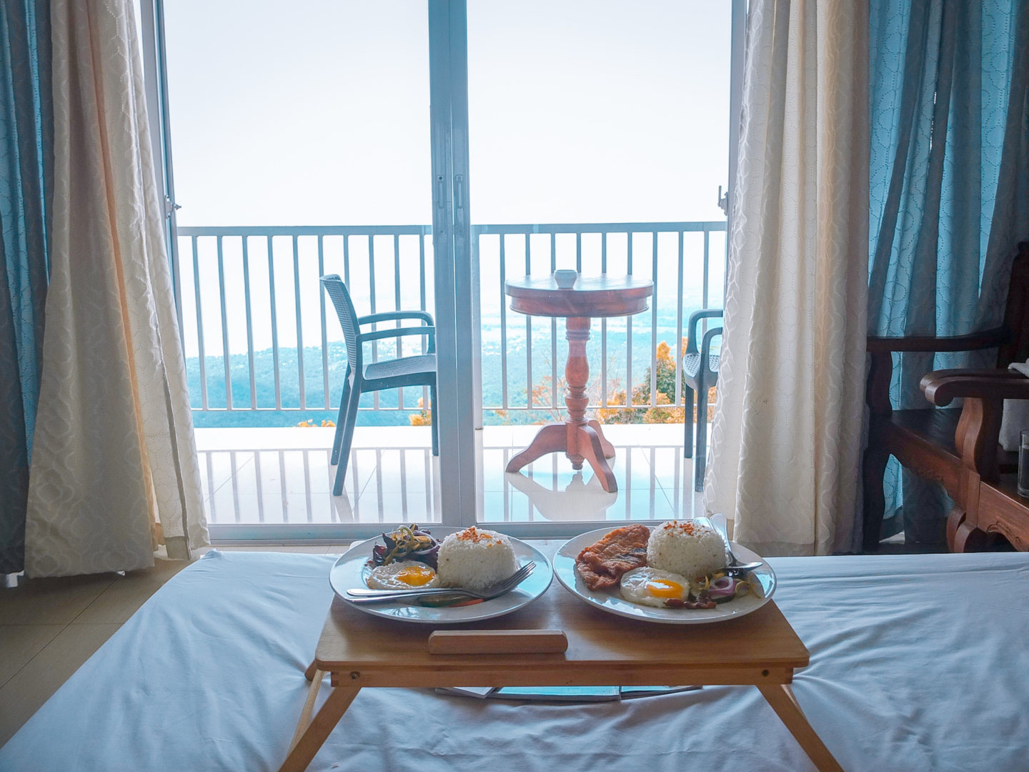 L J Bistro Bed And Breakfast Taal Lake View Rooms Breakfast Staycation