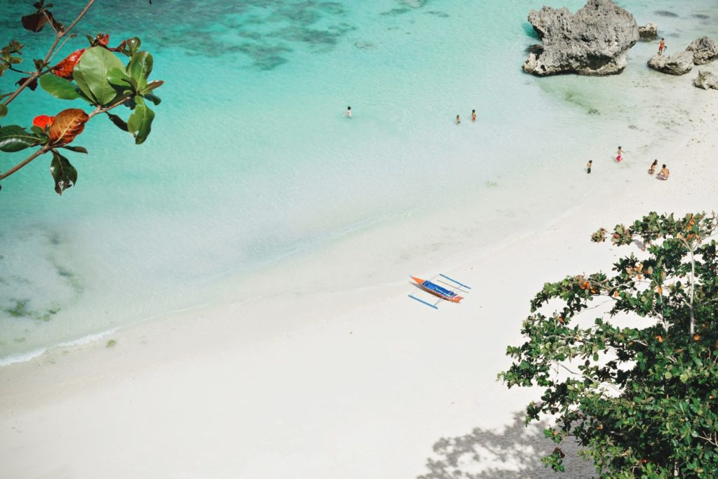 top-10-white-sand-beaches-in-the-philippines