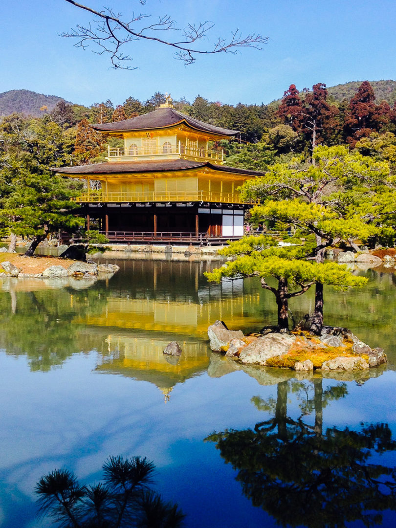 must-visit-places-in-japan-by-travel-bloggers
