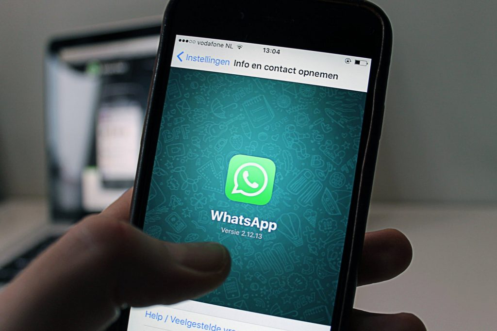 How To Make WhatsApp Black?